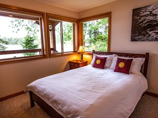 Beautiful House with Television and DVD Player - Tofino vacation rentals