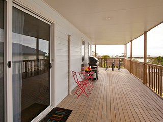 3 bedroom House with Deck in Bridport - Bridport vacation rentals