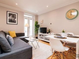 GowithOh - 20006 - Spacious and modern two-bedroom apartment - London - London vacation rentals