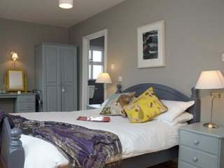 An Riasc B&B Room 1- The Waves (Na Borrai) - Ballydavid vacation rentals