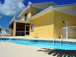 P03 Charming 4 bdm Pool home w/ dockage ~ Open March 11 - 18! - Marathon vacation rentals