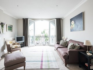 Stylish 1-bed west London apartment - London vacation rentals