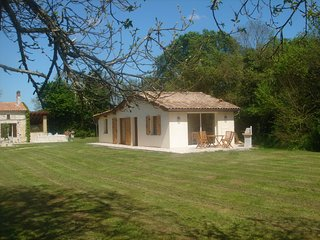 Nice Gite with Internet Access and Satellite Or Cable TV - Bussac Foret vacation rentals