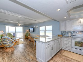 Gateway 899 Fort Myers Beach Luxury 2bd/2bth Condo - Fort Myers Beach vacation rentals