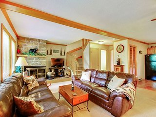 Bearadise is an airy 3 bedroom condo located in the heart of Canaan Valley,WV - Davis vacation rentals
