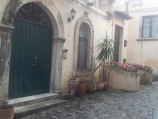1 bedroom Private room with Internet Access in Gerace - Gerace vacation rentals