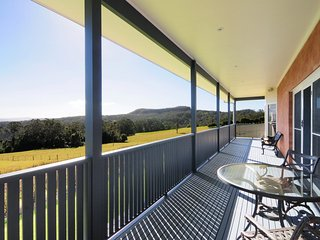 Cozy 3 bedroom Kangaroo Valley House with A/C - Kangaroo Valley vacation rentals