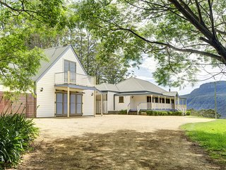 6 bedroom House with Shared Outdoor Pool in Kangaroo Valley - Kangaroo Valley vacation rentals