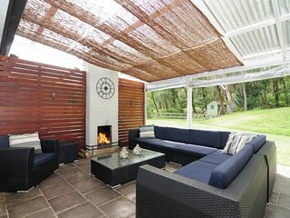 Beautiful 3 bedroom Kangaroo Valley House with Television - Kangaroo Valley vacation rentals