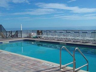 DAYTONA OCEANFRONT SAND DOLLAR! 2 BD/ 2BA  , FREE WIFI, 3 HDTV'S , NON SMOKING ! - Daytona Beach vacation rentals