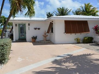 P31 Cozy Cove 2 bd pool home w/ deep water dockage - Key Colony Beach vacation rentals