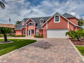Beautiful rental vacation home with gulf access - Cape Coral vacation rentals