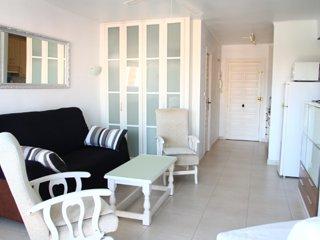 Studio Avec Piscine Torre Del Mar - Torre del Mar vacation rentals