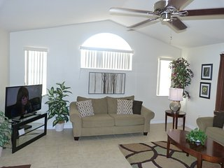 """""""Magic Your Way!"""" TWO King MBR Suites, Low $$'s! - Kissimmee vacation rentals"""