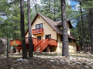 Tranquil Pines Cabin-Your Relaxation Destination - Flagstaff vacation rentals