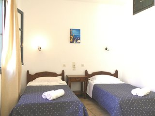 "Studio Apt ""Meltemi"" 10' walk to Chersonisos Beach - Koutouloufari vacation rentals"