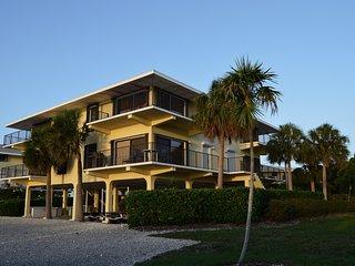 Amazing waterfront views, dock, heated pool - Marathon vacation rentals