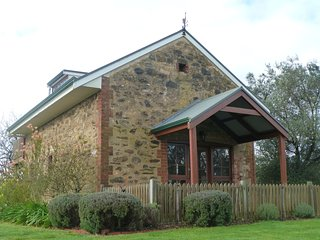 1 bedroom Bed and Breakfast with Housekeeping Included in Angaston - Angaston vacation rentals