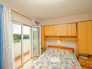 TH03114 Rooms Anica / Double Room S1 - Kampor vacation rentals