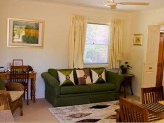 Strathlyn Lemon Tree Spa Apartment - Angaston vacation rentals