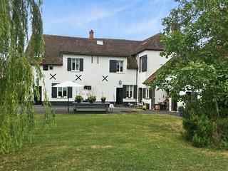 Modern house wiht badminton court - Dreux vacation rentals
