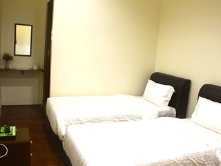 Standard Twin Room - Georgetown vacation rentals