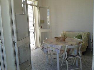 Salento, San Foca, trilocale 100 mt dalla spiaggia - San Foca vacation rentals