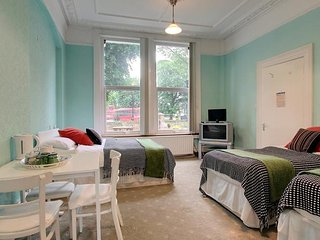 Caspian B & B - Quintuple Room 12 (5 Adults) - London vacation rentals