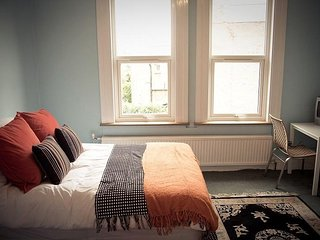 Caspian B & B - Triple Room  R 3 - London vacation rentals