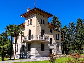 B&B Villa Chiara  camera Marzaiola - Biandronno vacation rentals