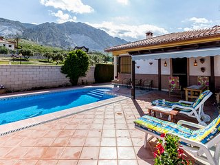 3 bedroom House with Television in Durcal - Durcal vacation rentals