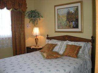 Ollie's Bed + Breakfast,  Welland /Niagara - Welland vacation rentals