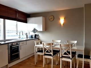 BARGAIN!! 3 Bed apartments by Oxford Street (LGA) - London vacation rentals