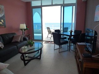 Lovely 4th floor Apartment for 2! - Coronado vacation rentals
