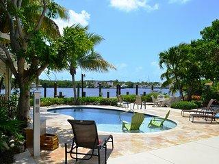 P44 4 bdm Gulf Side Estate w/ private pool - Marathon vacation rentals
