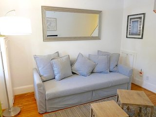 Charming Capitol Hill Row Home w/ Parking - Washington DC vacation rentals