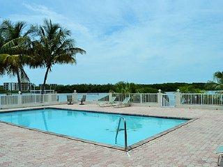 P61 Swimmer's Splendor 3 bdm Gulf front pool home - Marathon vacation rentals