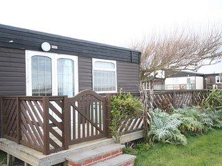 Romantic 1 bedroom Chalet in Earnley - Earnley vacation rentals