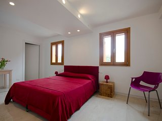 3 bedroom House with Internet Access in Pizzolungo - Pizzolungo vacation rentals