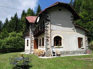 Casa Abetina,  un piccolo romantico castello - Vetriolo Terme vacation rentals
