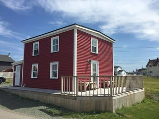 Cozy 2 bedroom Bonavista House with Deck - Bonavista vacation rentals