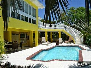 P77 3 bdm canal front tropical oasis - Marathon vacation rentals