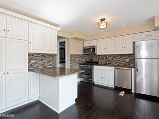 Beautifully Remodeled 3 BR Townhouse near Chicago - Wilmette vacation rentals