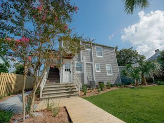 Drip Dry - Up - Folly Beach, SC - 2 Beds BATHS: 1 Full - Folly Beach vacation rentals