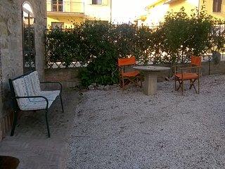 Antica dimora nella campagna dell'Umbria ( Casa delle rose) - Bagnaia vacation rentals