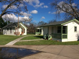 Minutes to Granbury Square! We are located right off the hike/bike trail! - Granbury vacation rentals