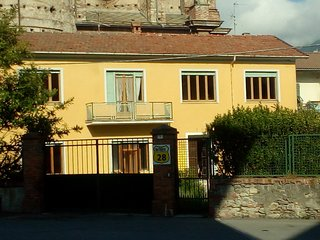 5 bedroom Manor house with Housekeeping Included in Garessio - Garessio vacation rentals