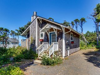 Cozy dog-friendly cottage with great ocean views and fantastic location! - South Beach vacation rentals