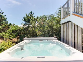 Modern, waterfront, dog-friendly house w/ ocean view, hot tub, & beach access! - Warrenton vacation rentals