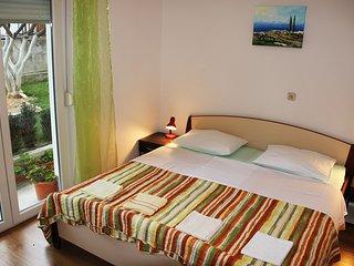 TH01661 Apartments Mate / One bedroom A1 - Stobrec vacation rentals